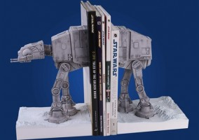 cale livre nerd en AT-AT star wars geek boukin