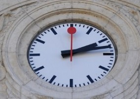horloge d'une gare suisse apple iphone copie