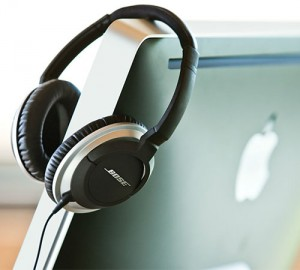 wpid-storageemulated0Downloadbose-apple-geek-headphones.jpg.jpg