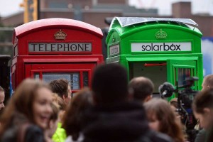 cabine telephone green londres verte recharge solaire